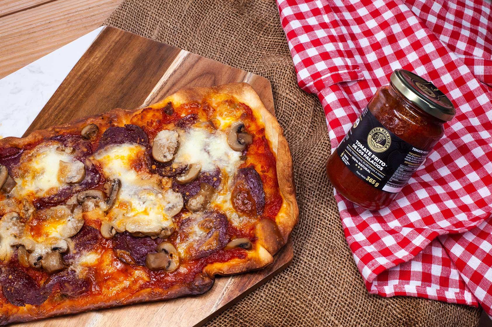 Pizza ibérica con tomate frito de Tierra Palaciega
